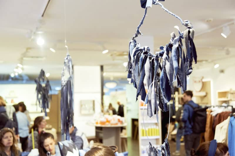 Fashion revolution the Move Hamburg upcycling denim wallhanging